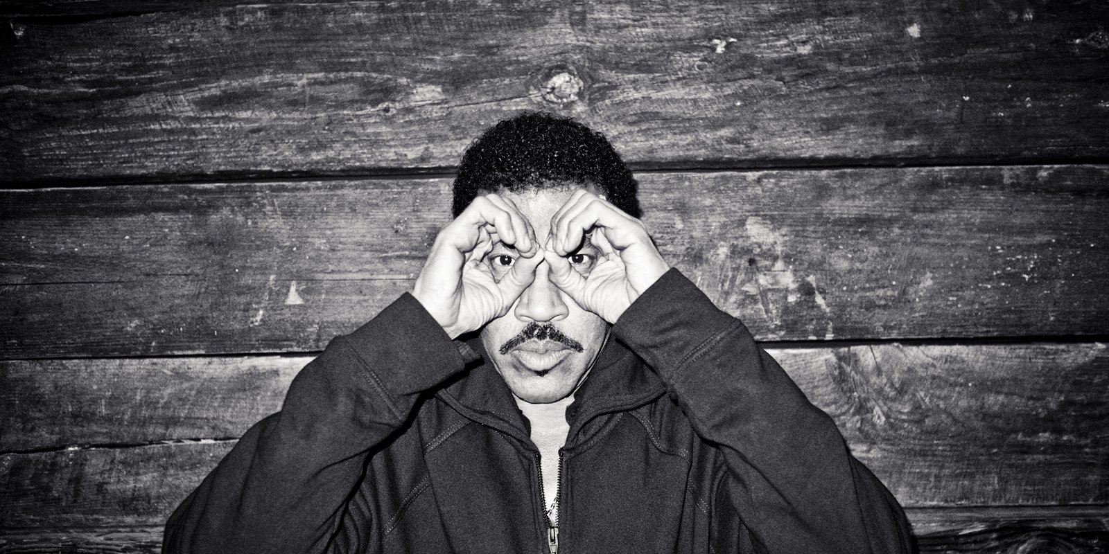 45-park-lane-art-exhibitions-lionel-richie-eyes