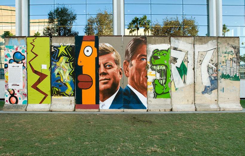 Wall art on Wilshire Boulevard