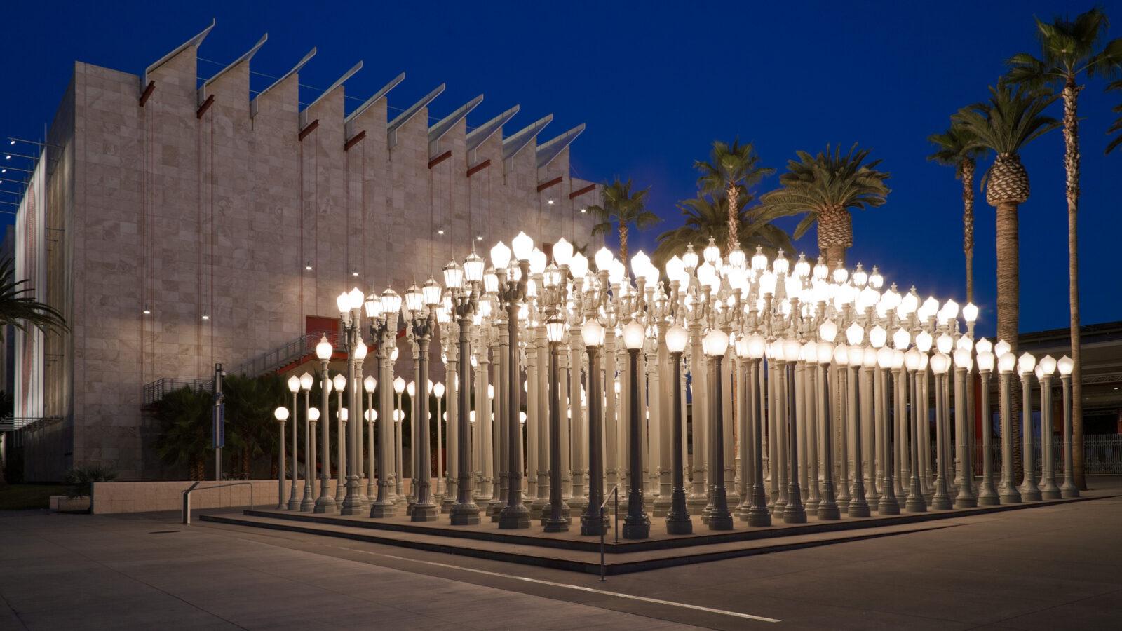 Illuminated light posts on display