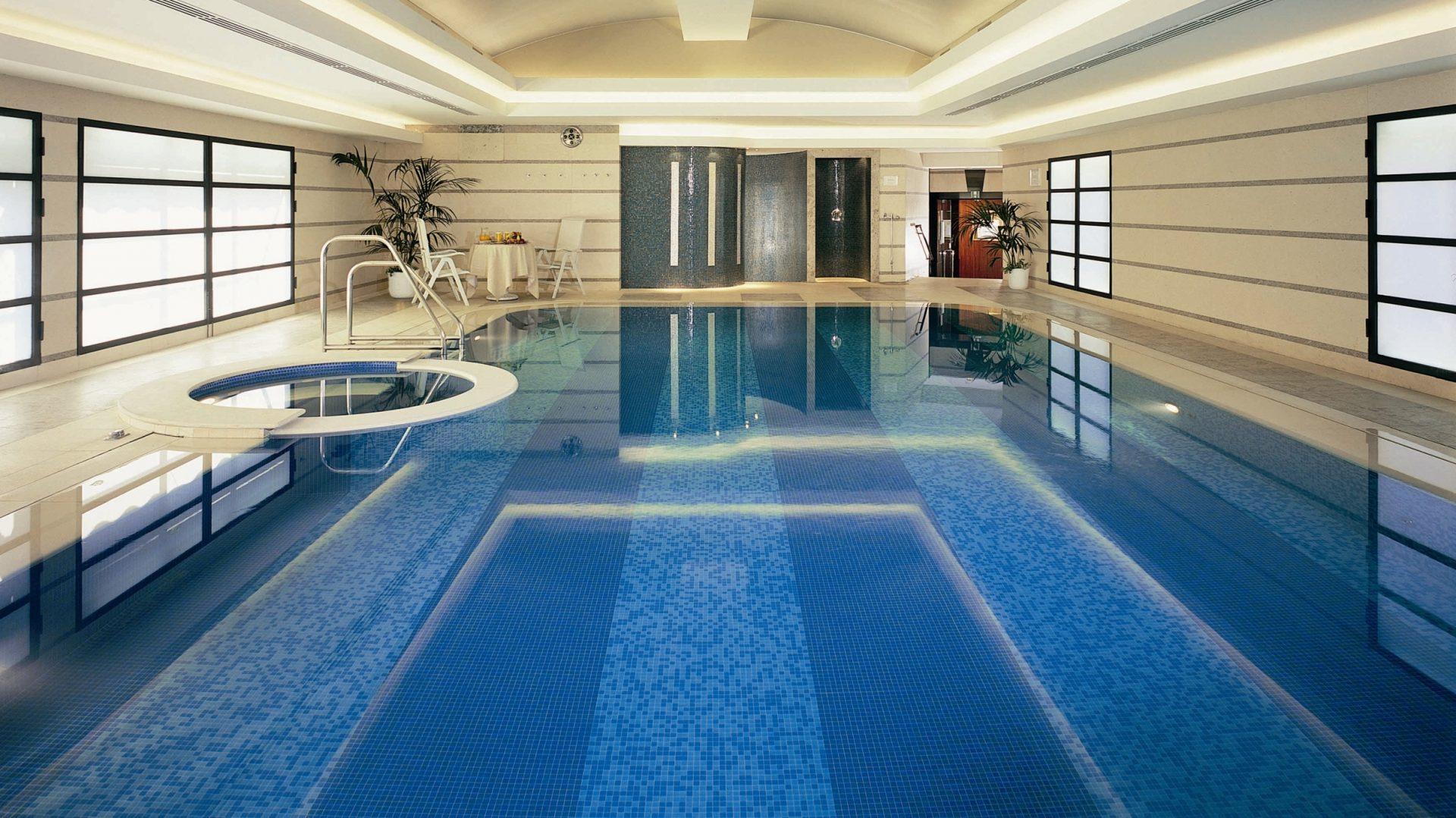 club 10 principe di savoia, swimming pool and jacuzzi