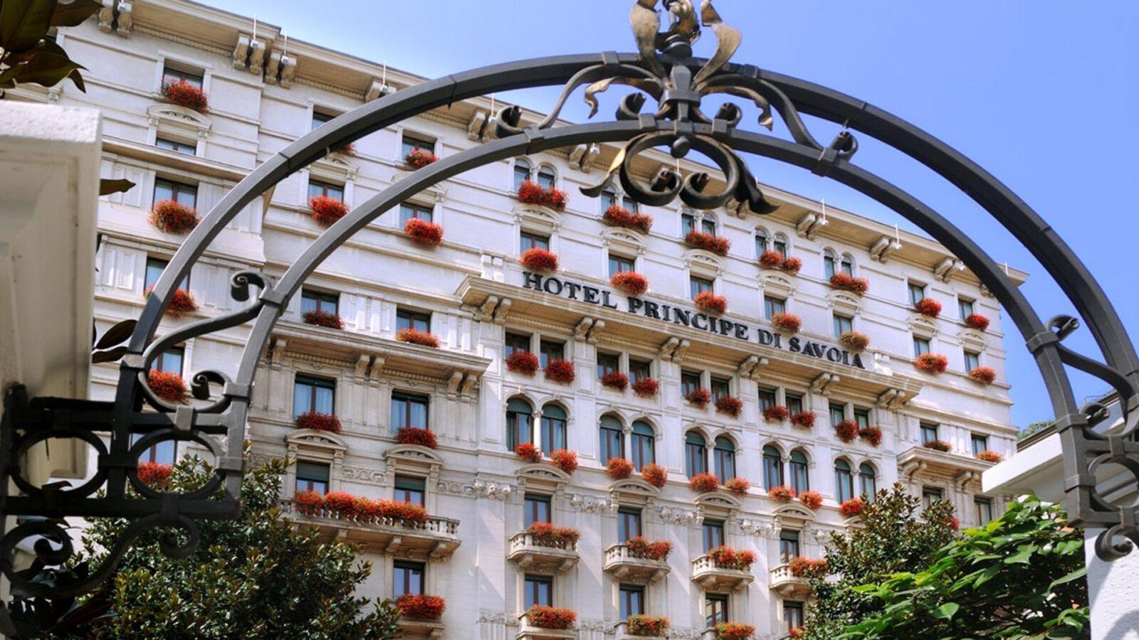 Hotel Principe di Savoia, Summer Facade