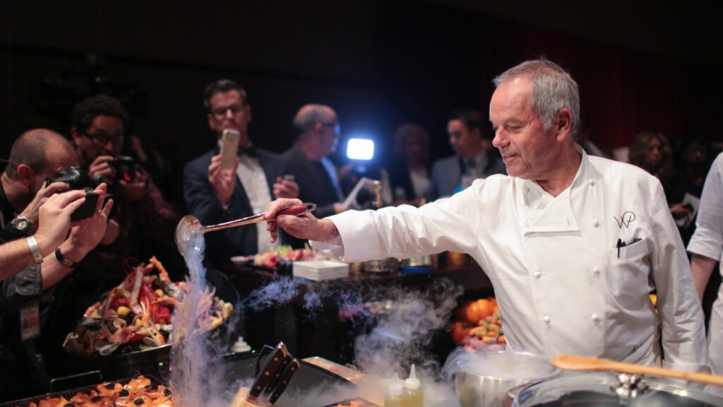 Inside the Oscars' Governors Ball with Wolfgang Puck