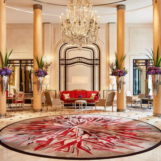 Hôtel Plaza Athénée lobby
