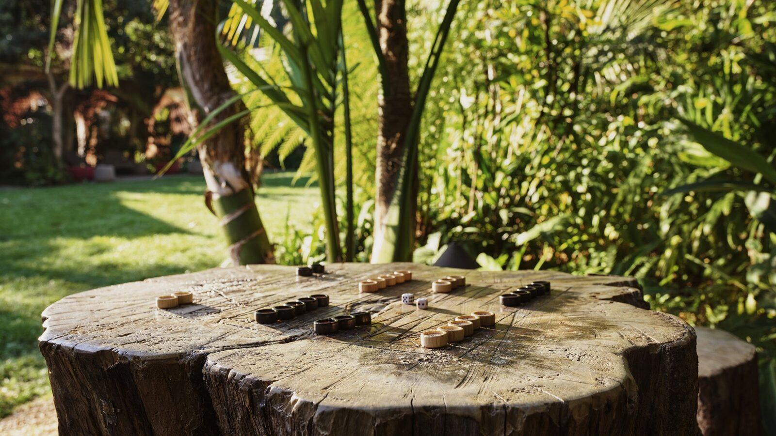 Backgamon table alfresco