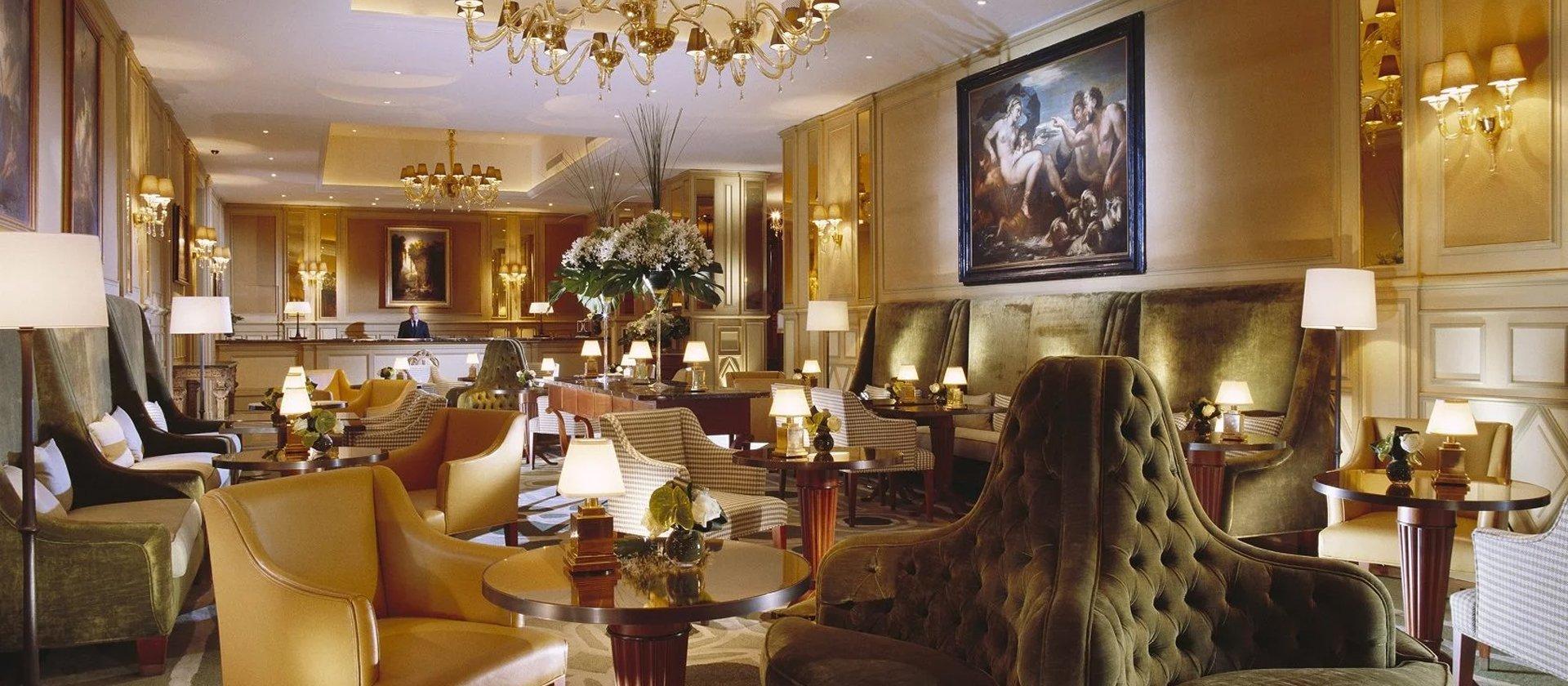Bar In Salotto.Il Salotto Milan Principe Di Savoia Dorchester Collection