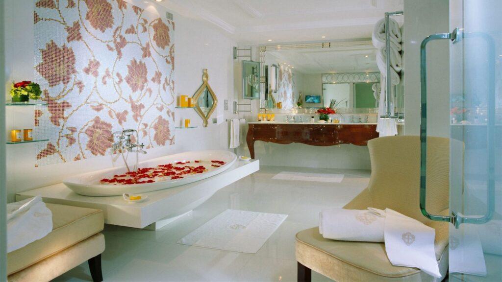 Hotel Principe di Savoia - bathtub