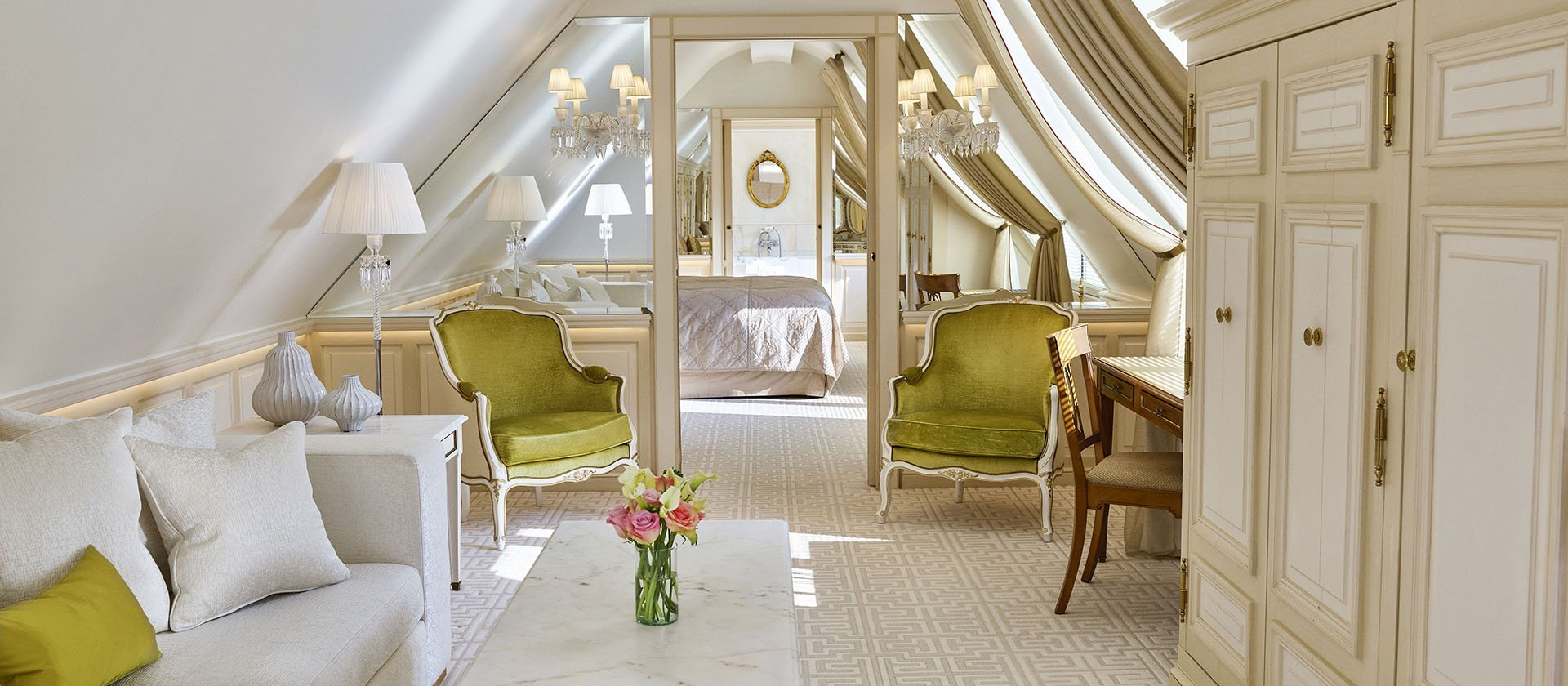 La Parisienne suite and Le Meurice with white and yellow interior