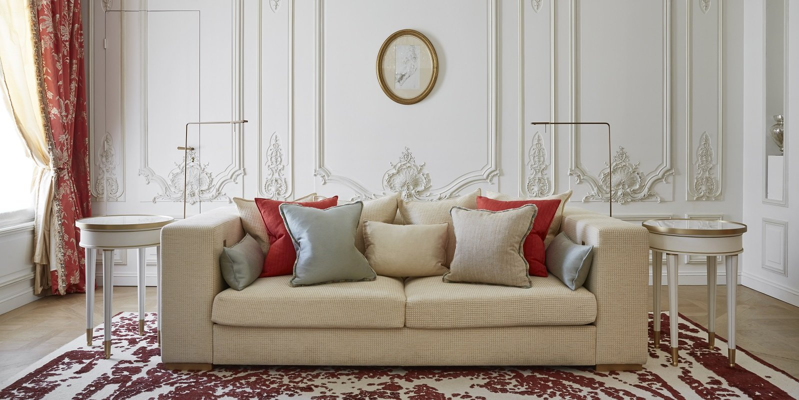 Le Meurice pompadour suite sofa