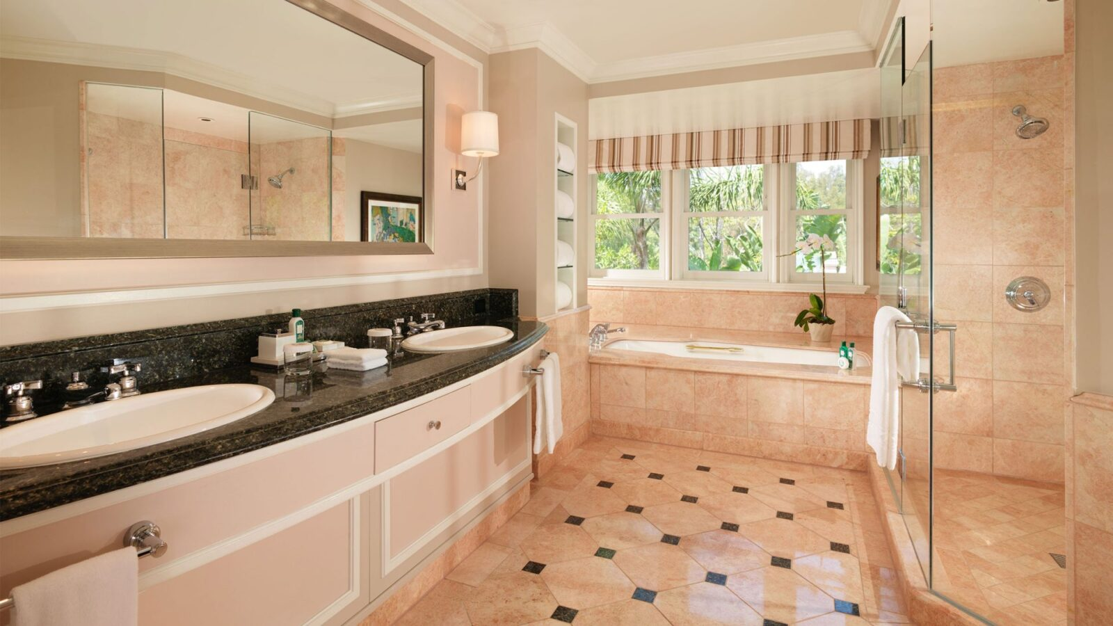Bathrooms of lavish luxury