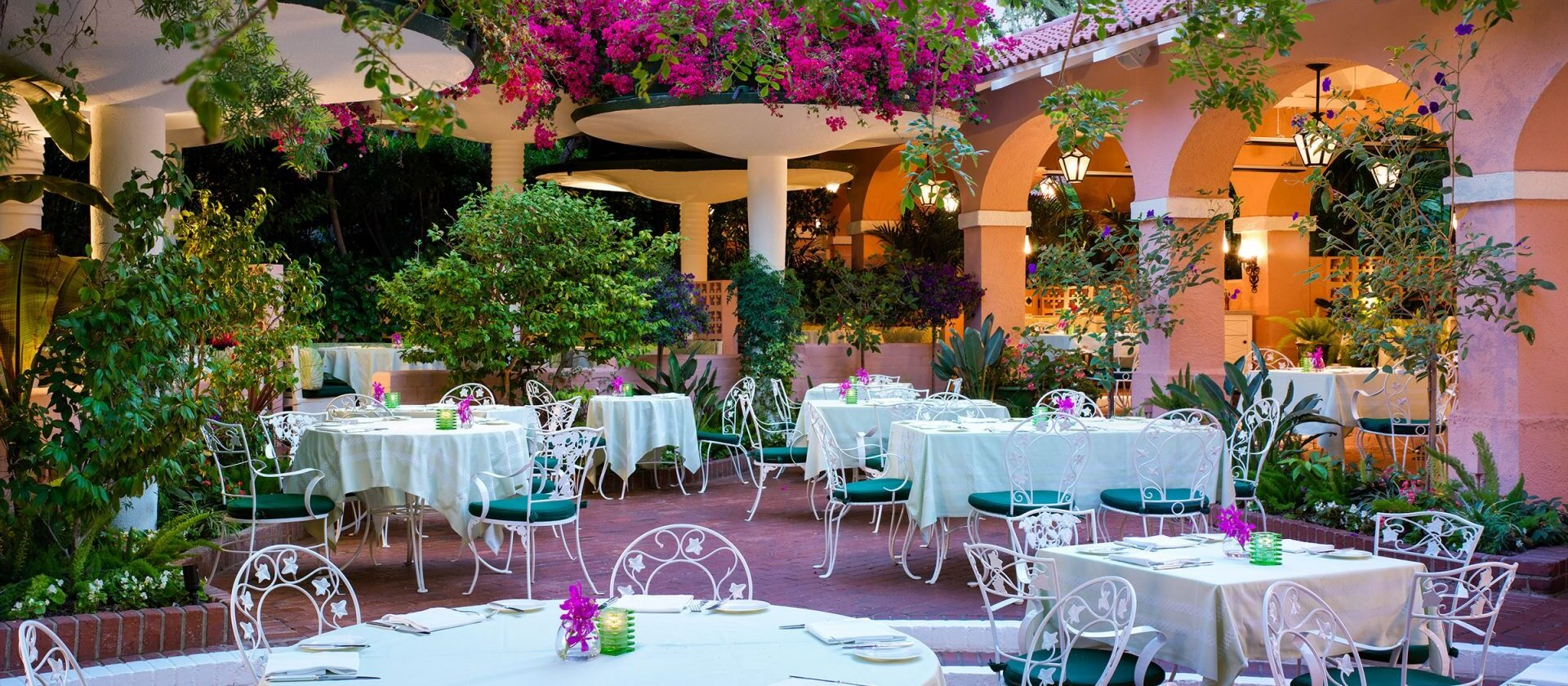 Beverly Hills Hotel polo lounge patio area