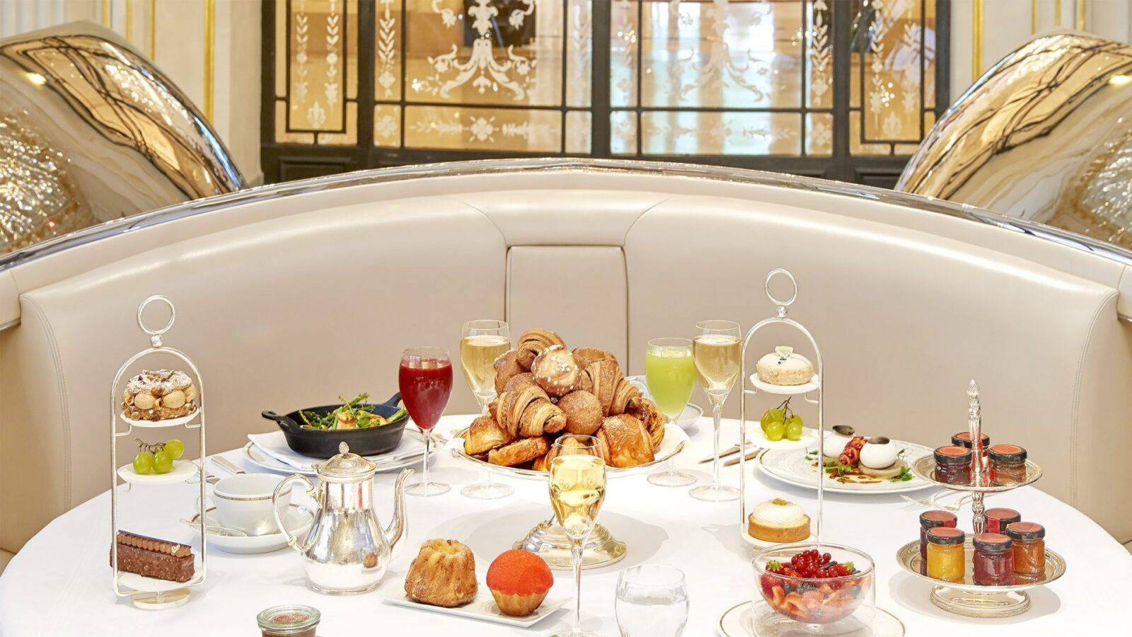 Brunch at Hôtel Plaza Athénée, Paris