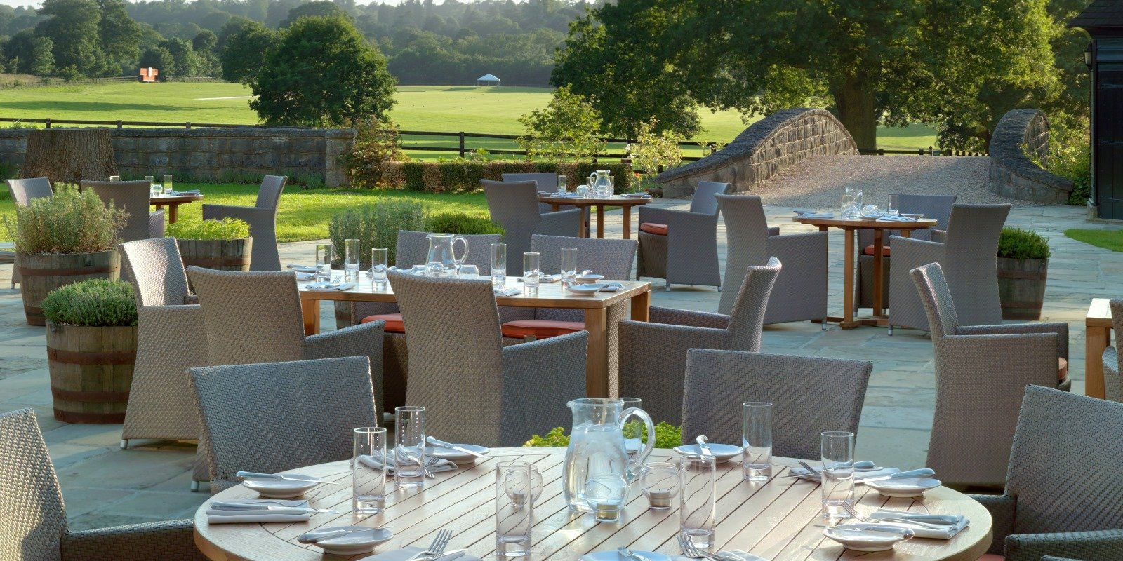 coworth-park-hotel-the-barn-restaurant-in-summer