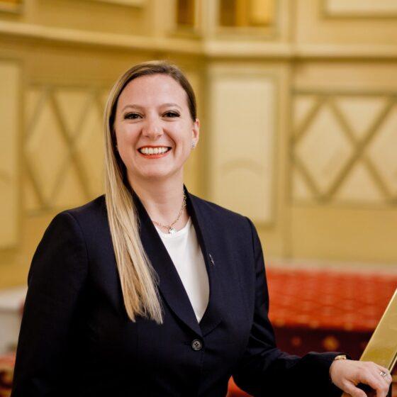 Elena Arnoldi, sales office Hotel Principe di Savoia