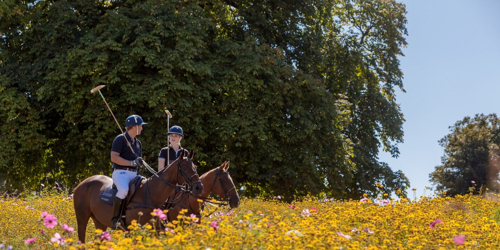guards-polo-academy-coworth-flower-meadow