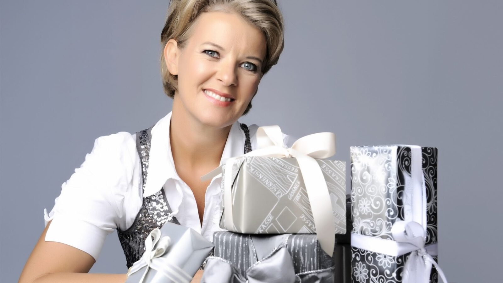 Jane Means - Masterclass with the Gift Wrap Guru