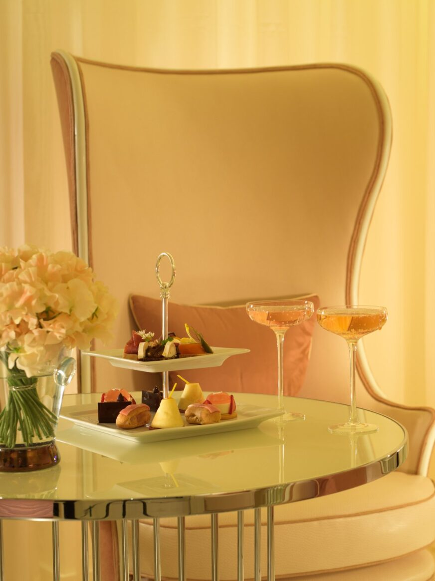 london-the-dorchester-spatisserie-detail-with-afternoon-tea