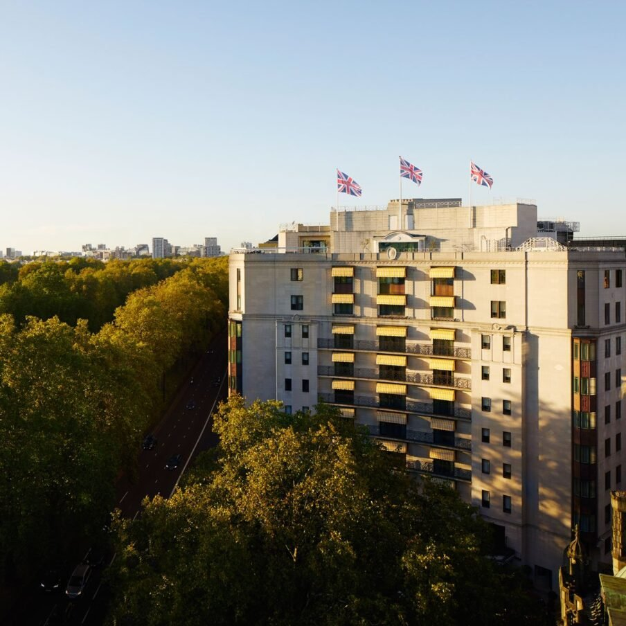 london-the-dorchester-sunset-exterior-1200×1200-square
