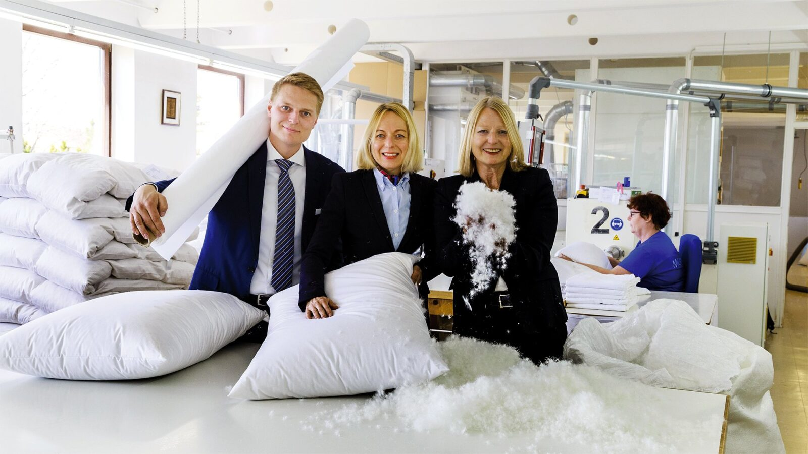 Mühldorfer pillows and bedding being made