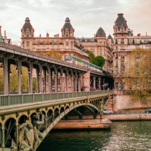 This image shows the Pont de Bir Hakeim in Paris