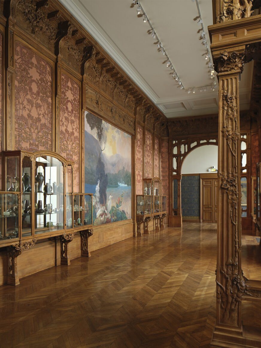this image shows a room of the Museum of Decorative Arts in Paris