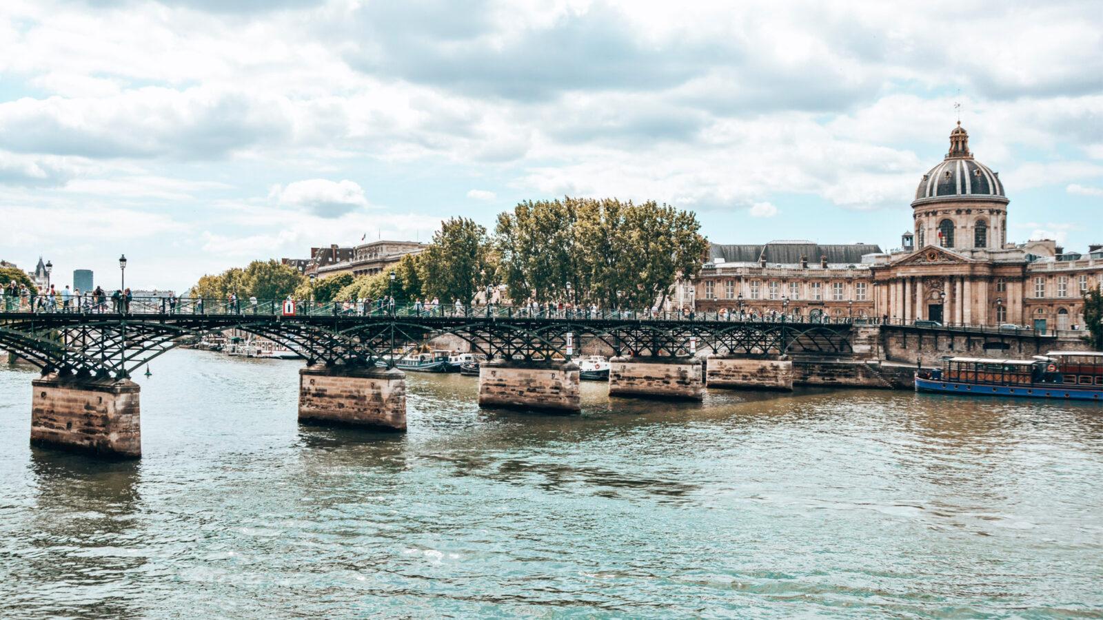 This image shows la Seine in Paris