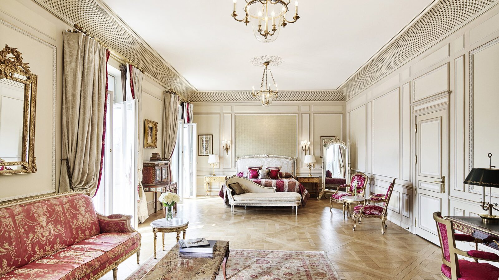 Versailles Suite at Le Meurice, Paris