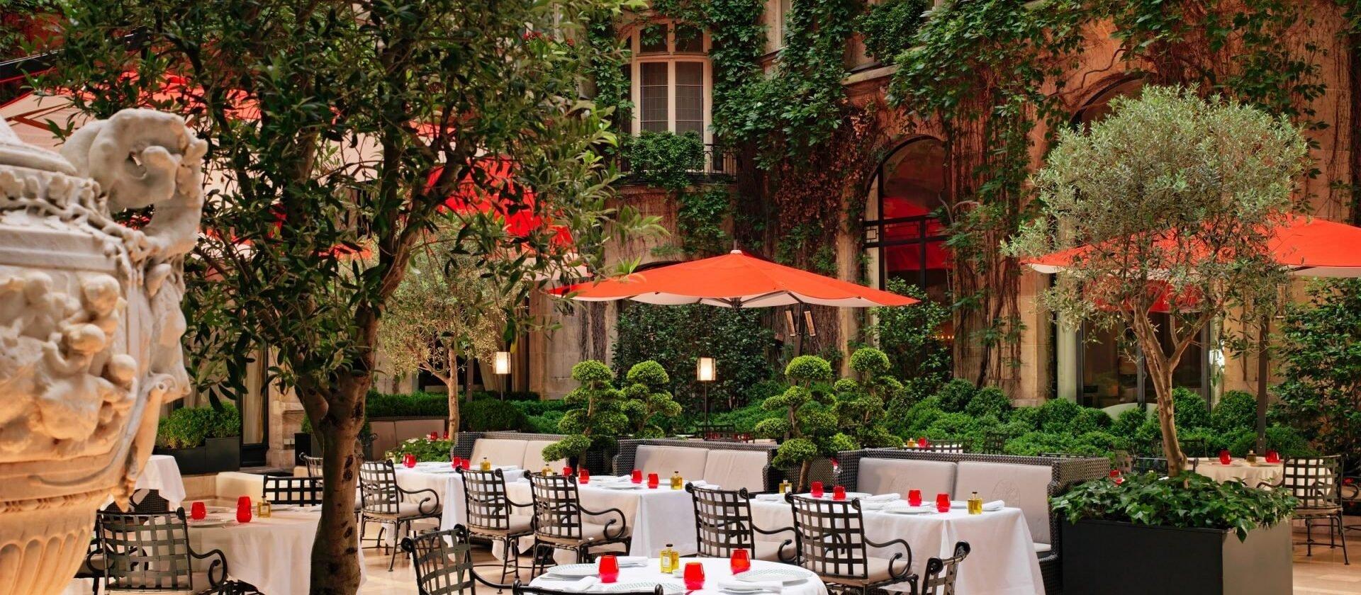 hotel plaza ath n e 5 star luxury hotel dorchester. Black Bedroom Furniture Sets. Home Design Ideas