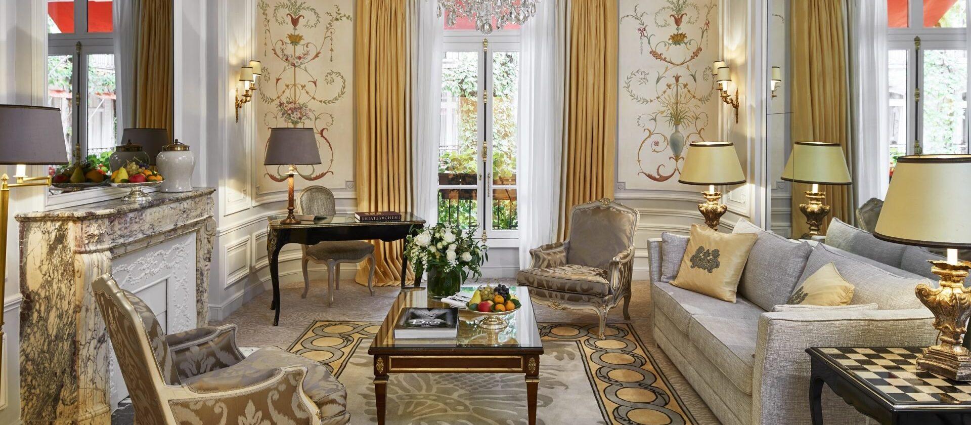 Deluxe suite paris hotel plaza ath n e dorchester - Salon prestige organza ...