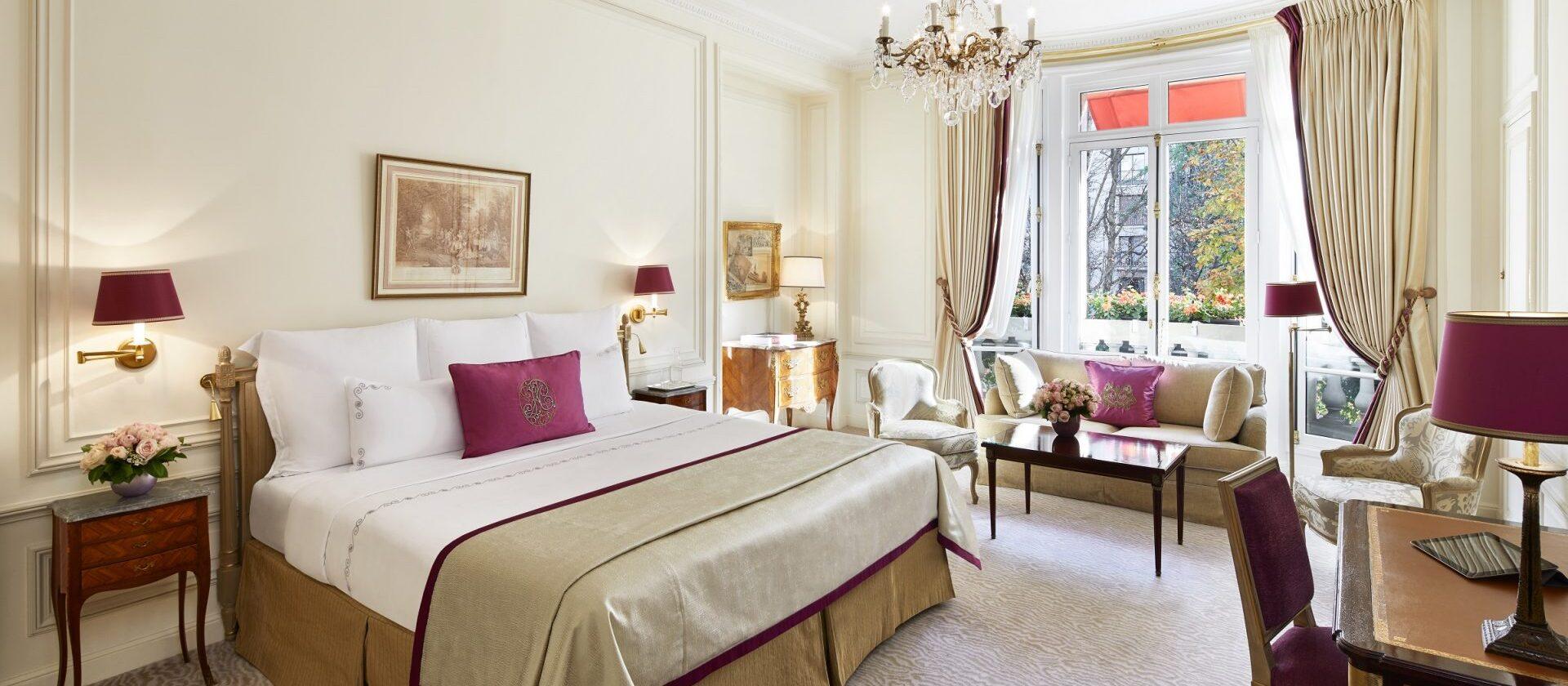 Junior suite avenue montaigne view dorchester collection - Salon prestige organza ...