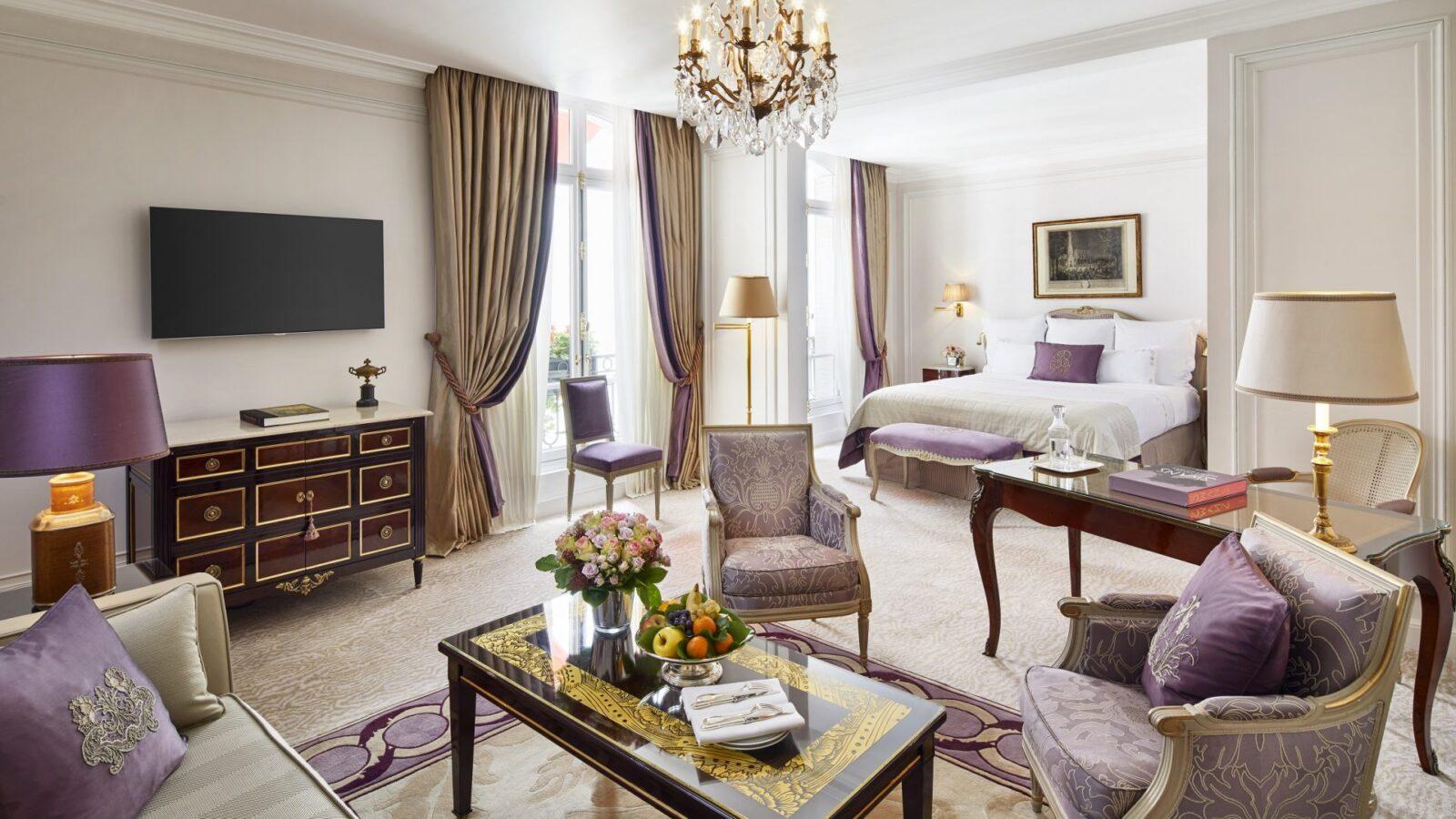 Junior suite paris h tel plaza ath n e dorchester - Salon prestige organza ...