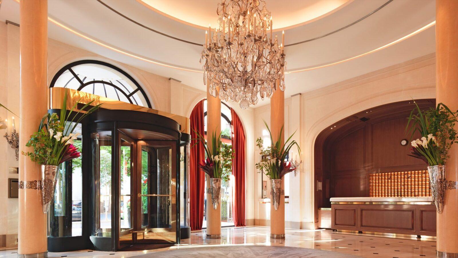 hotel services dorchester collection. Black Bedroom Furniture Sets. Home Design Ideas