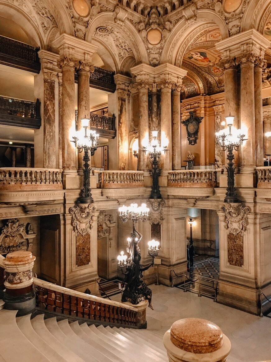 Picture of the Opera garnier stairs