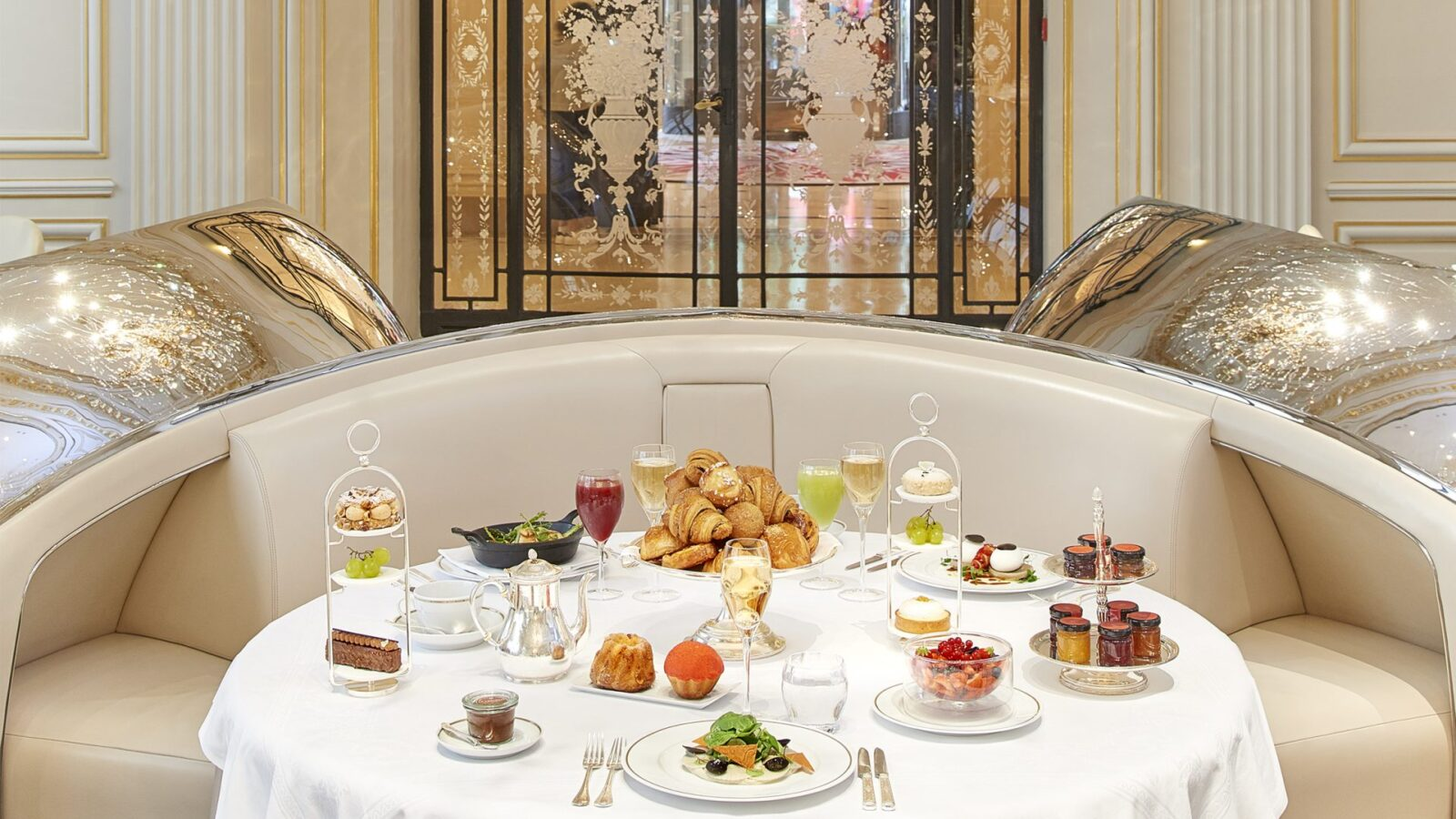 Breakfast at Hôtel Plaza Athénée, Paris