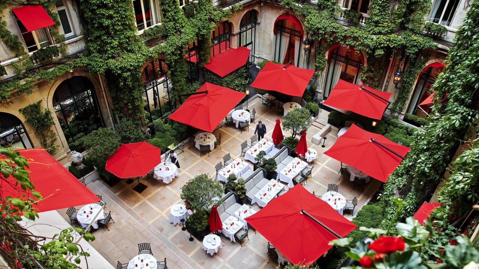 La Cour Jardin at Hôtel Plaza Athénée, Paris