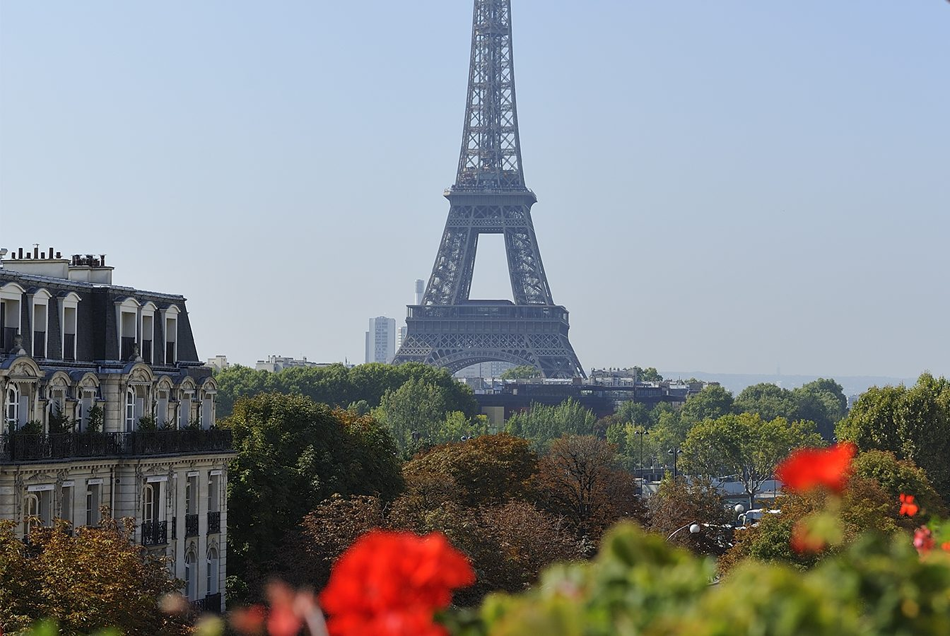this image shows the view from Hotel Plaza Athénée on the Eiffel tower