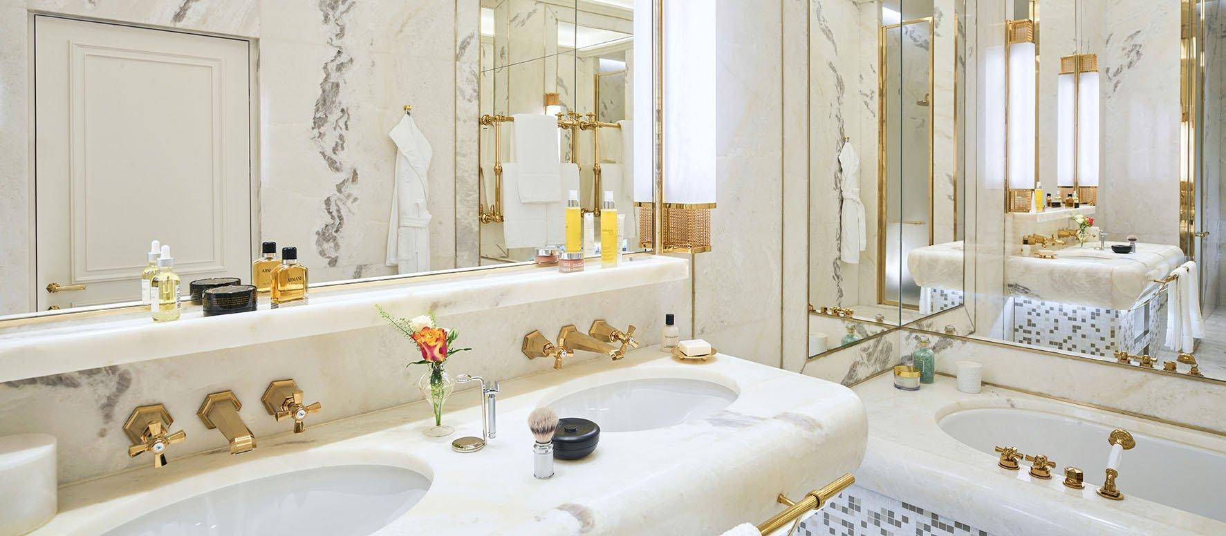 Bathroom inside the Dolce Vita Suite at Hotel Eden