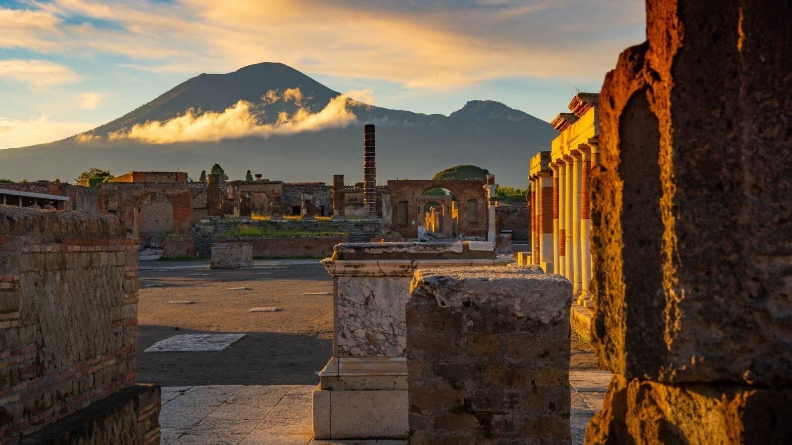Eruzioni: Pompei e Santorini
