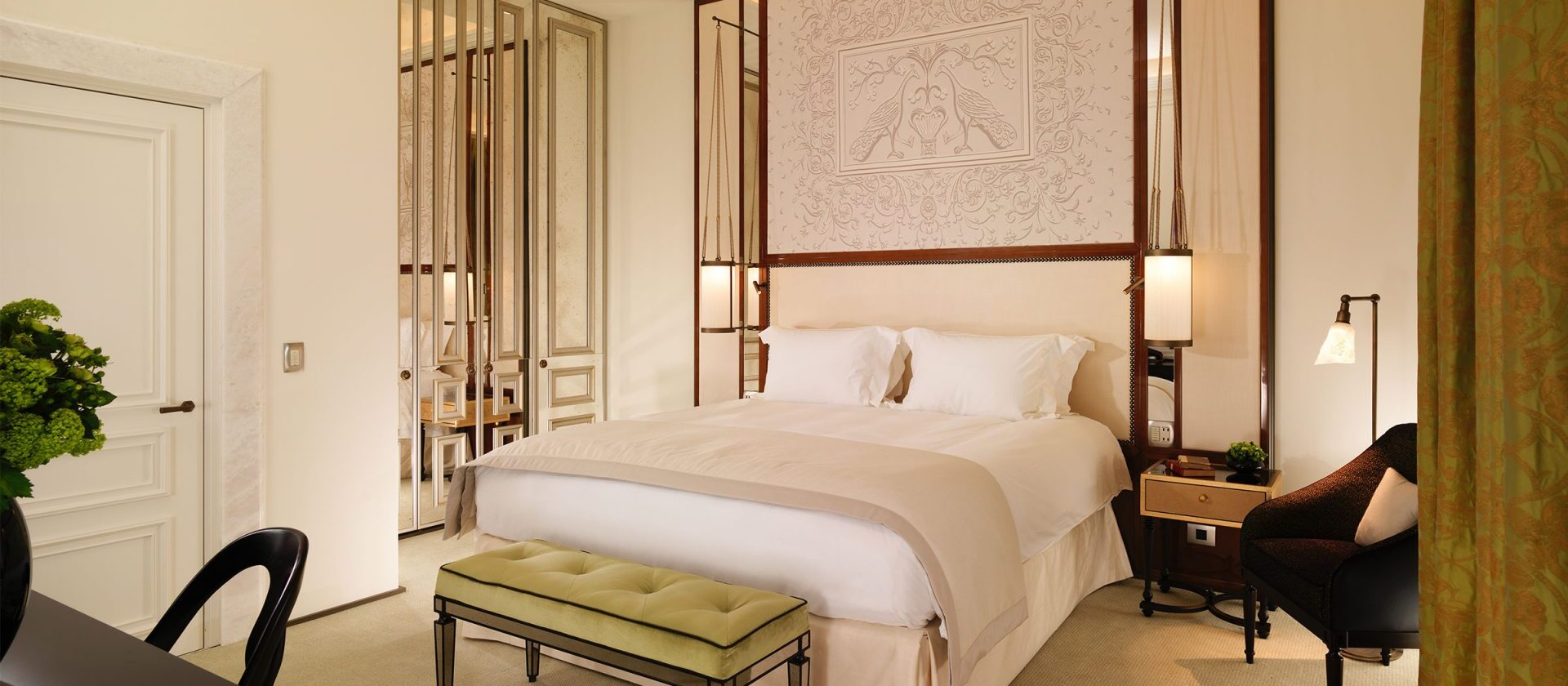 Bedroom in a prestige room at Hotel Eden