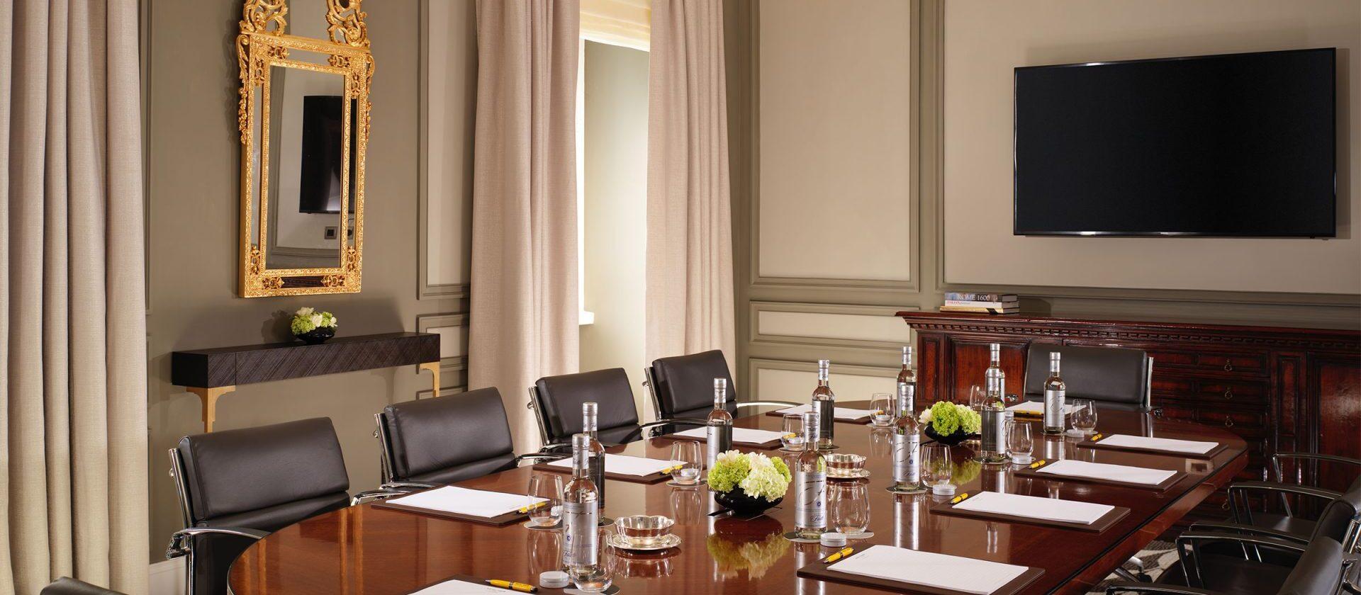Sala Ludovisi Boardroom at Hotel Eden
