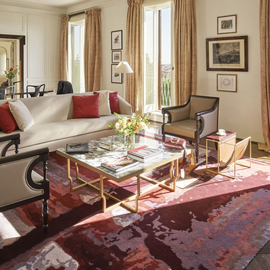 Living room in the Presidential Suite at Hotel Eden Rome