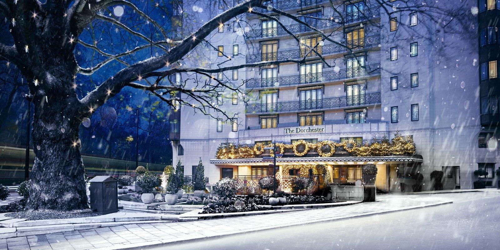 the-dorchester-hotel-christmas-exterior